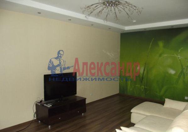 2-комнатная квартира (69м2) в аренду по адресу Свердловская наб., 58— фото 4 из 5