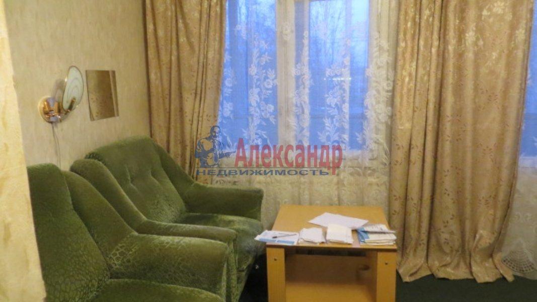 1-комнатная квартира (35м2) в аренду по адресу Лужская ул., 6— фото 2 из 4