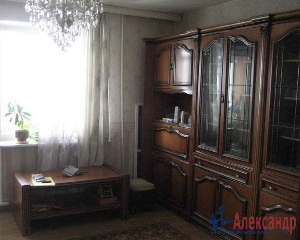 2-комнатная квартира (44м2) в аренду по адресу Софийская ул., 48— фото 1 из 4