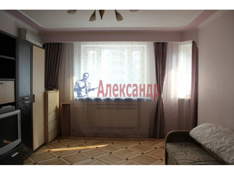 1-комнатная квартира (52м2) в аренду по адресу Поликарпова аллея— фото 2 из 7
