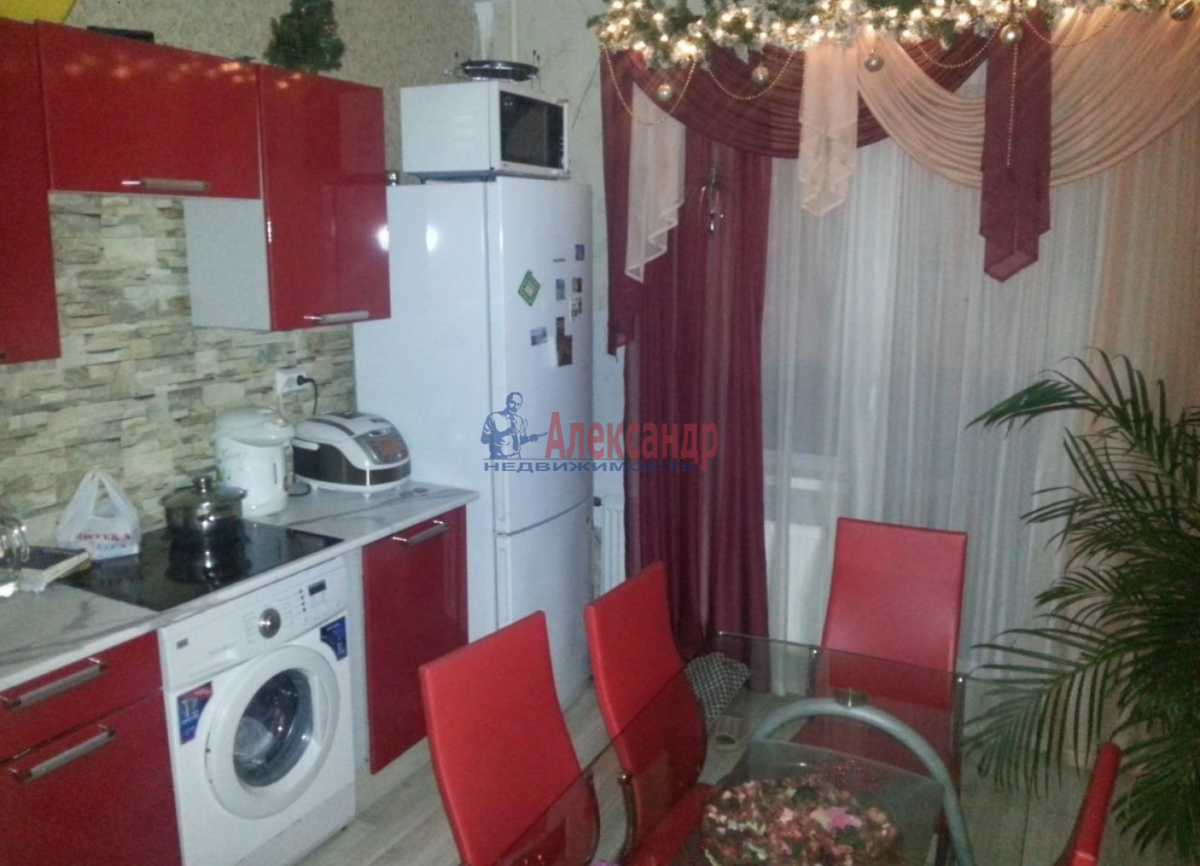1-комнатная квартира (45м2) в аренду по адресу Ветеранов пр., 75— фото 2 из 6