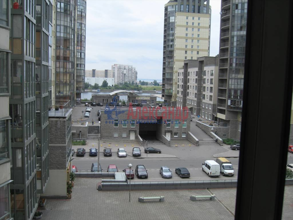 1-комнатная квартира (45м2) в аренду по адресу Кораблестроителей ул., 32— фото 6 из 14