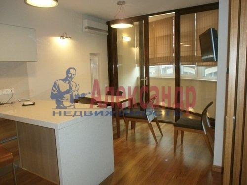 2-комнатная квартира (69м2) в аренду по адресу Кременчугская ул., 11— фото 1 из 11