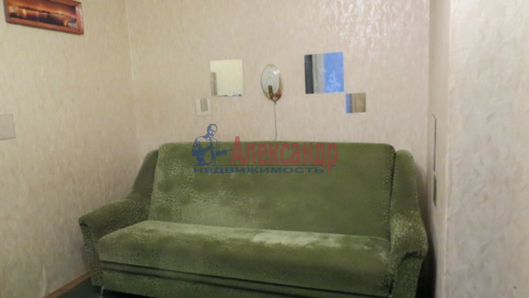 1-комнатная квартира (35м2) в аренду по адресу Лужская ул., 6— фото 3 из 4