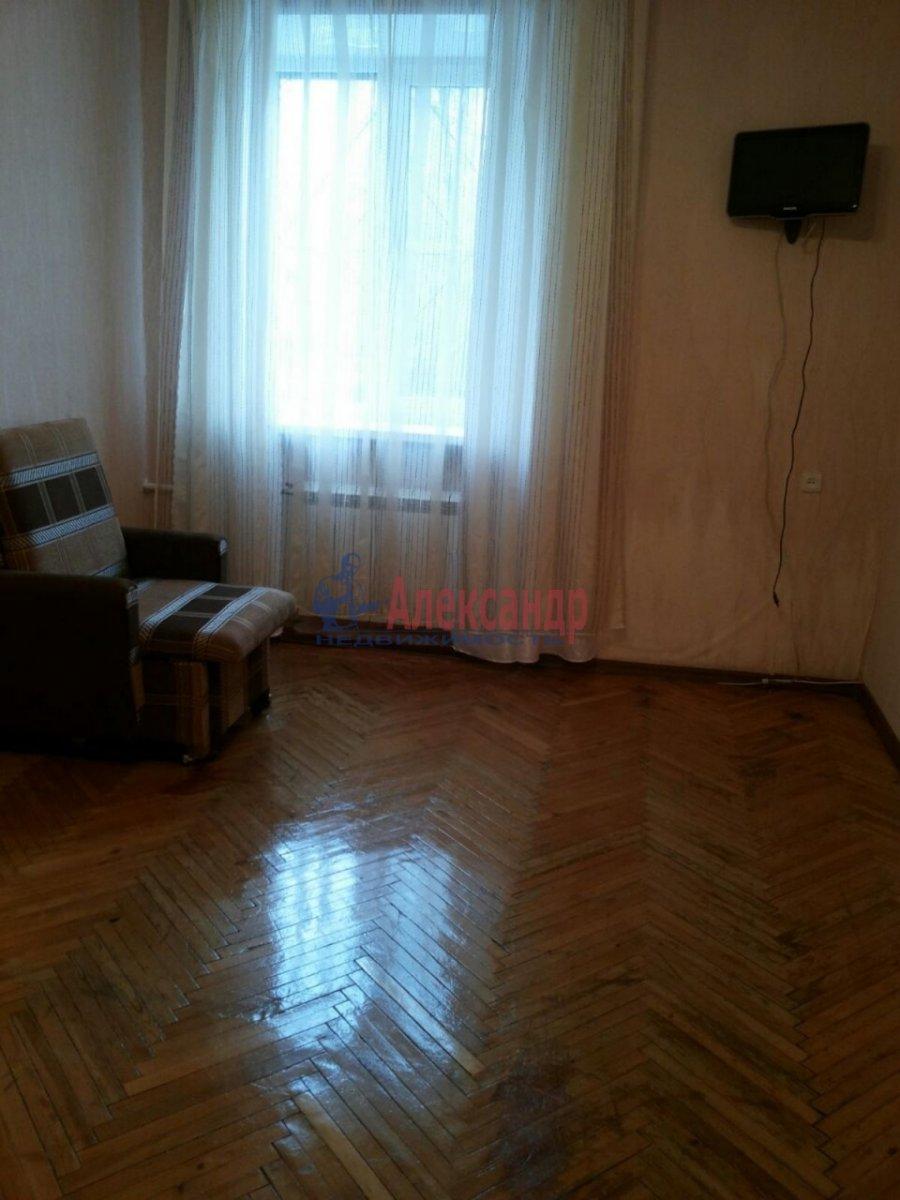 1-комнатная квартира (30м2) в аренду по адресу Ленсовета ул., 27— фото 2 из 8