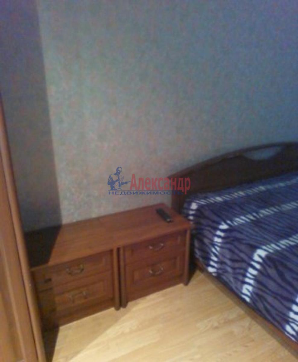 Комната в 3-комнатной квартире (58м2) в аренду по адресу Малая Балканская ул., 60— фото 3 из 4