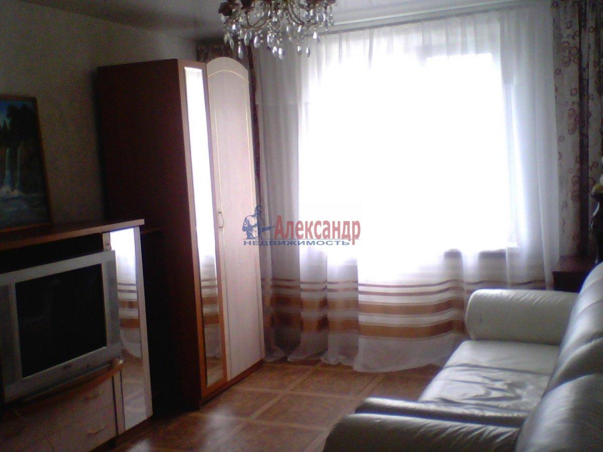 3-комнатная квартира (86м2) в аренду по адресу 1 Верхний пер., 3— фото 1 из 3