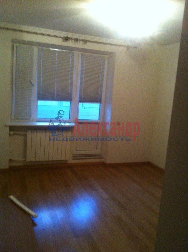 3-комнатная квартира (95м2) в аренду по адресу Стародеревенская ул., 3— фото 6 из 9