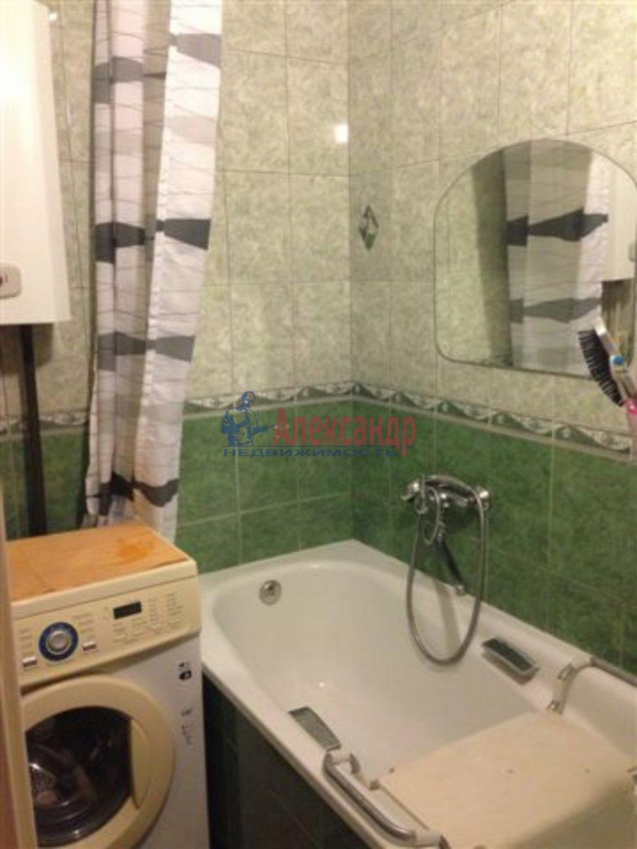 1-комнатная квартира (35м2) в аренду по адресу Социалистическая ул., 4— фото 2 из 3