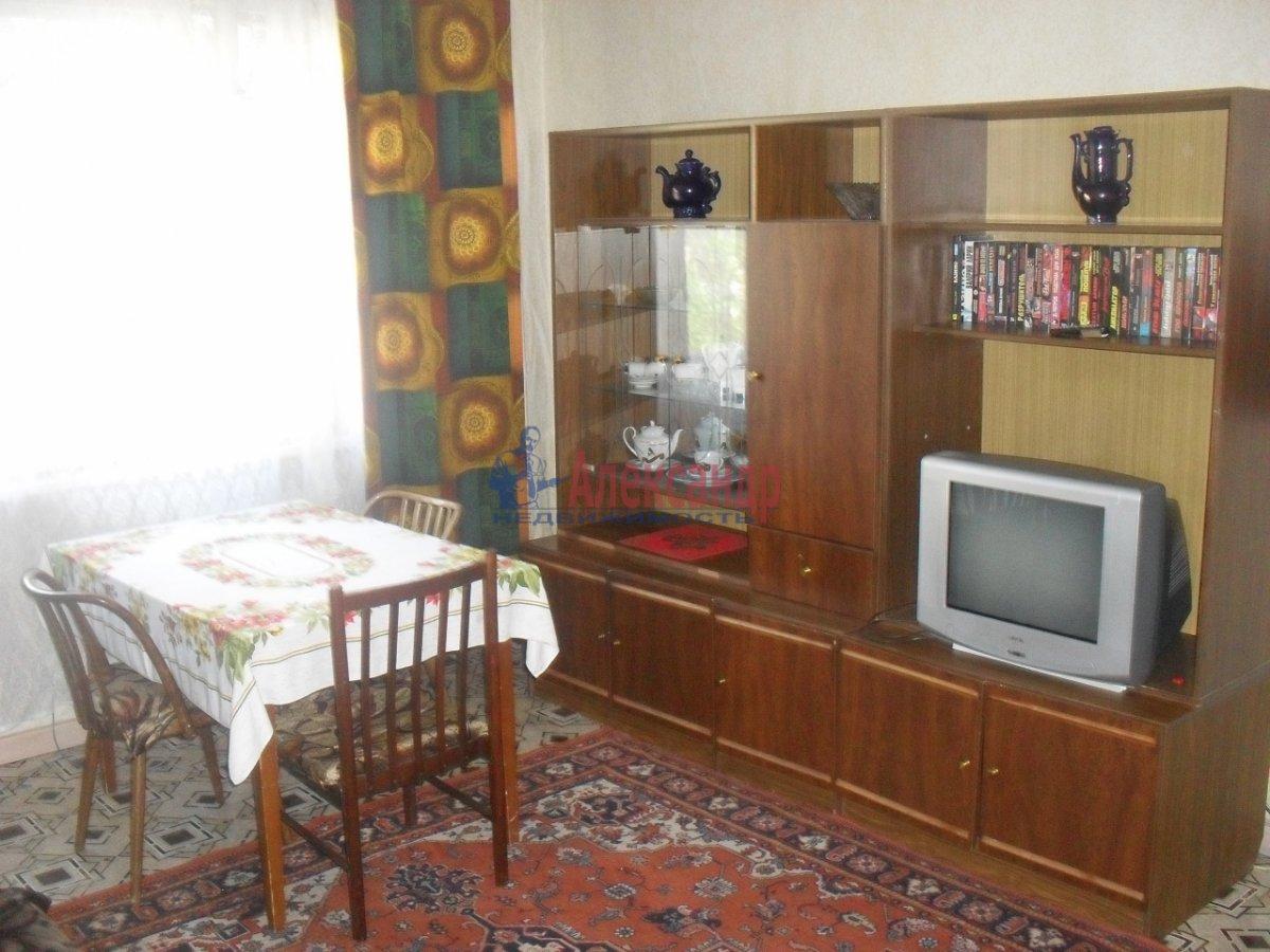 2-комнатная квартира (54м2) в аренду по адресу Белы Куна ул., 15— фото 1 из 6