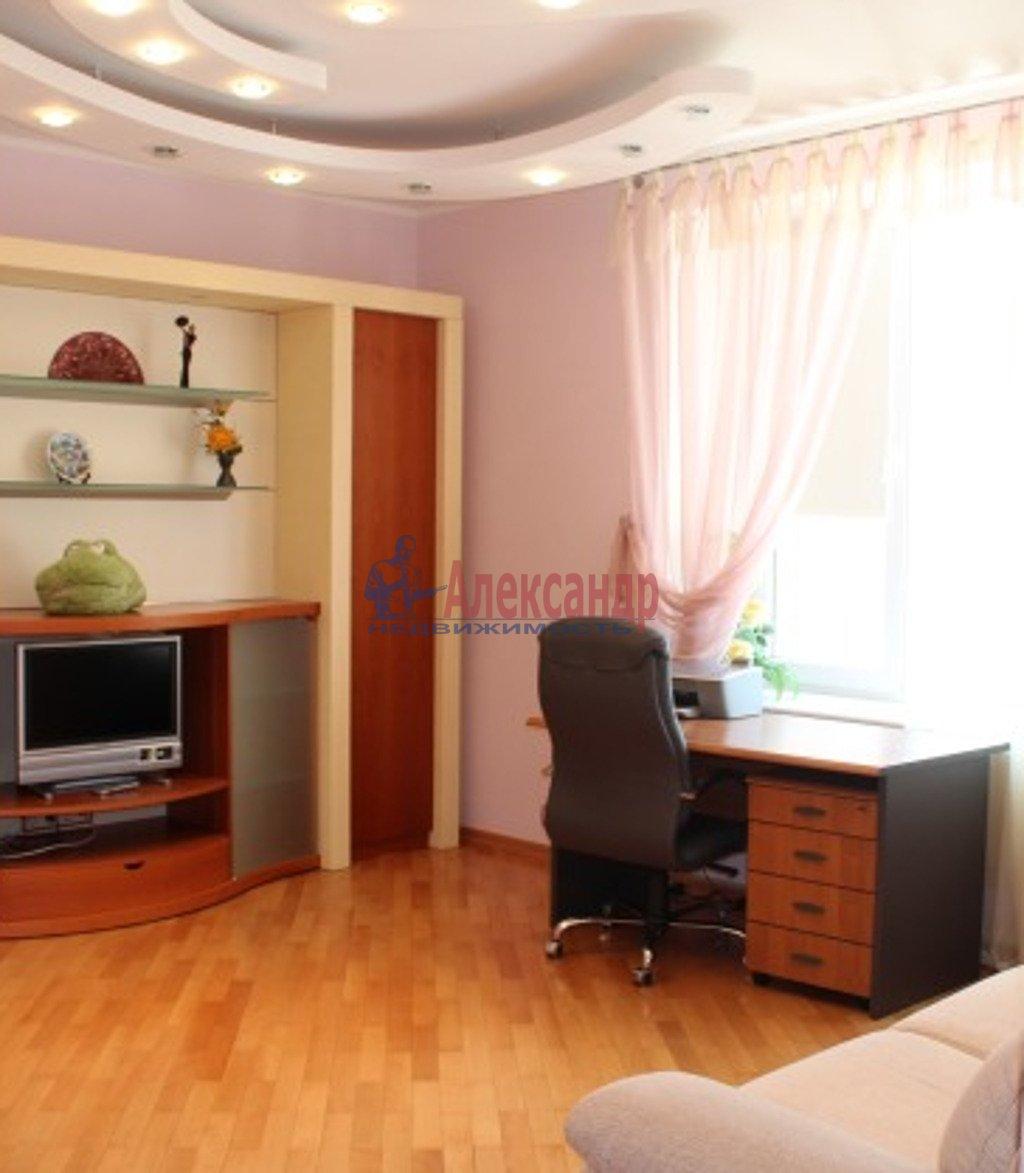 3-комнатная квартира (126м2) в аренду по адресу Маршала Жукова пр., 36— фото 3 из 4