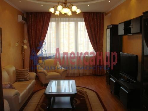 2-комнатная квартира (65м2) в аренду по адресу Ленсовета ул., 88— фото 2 из 13