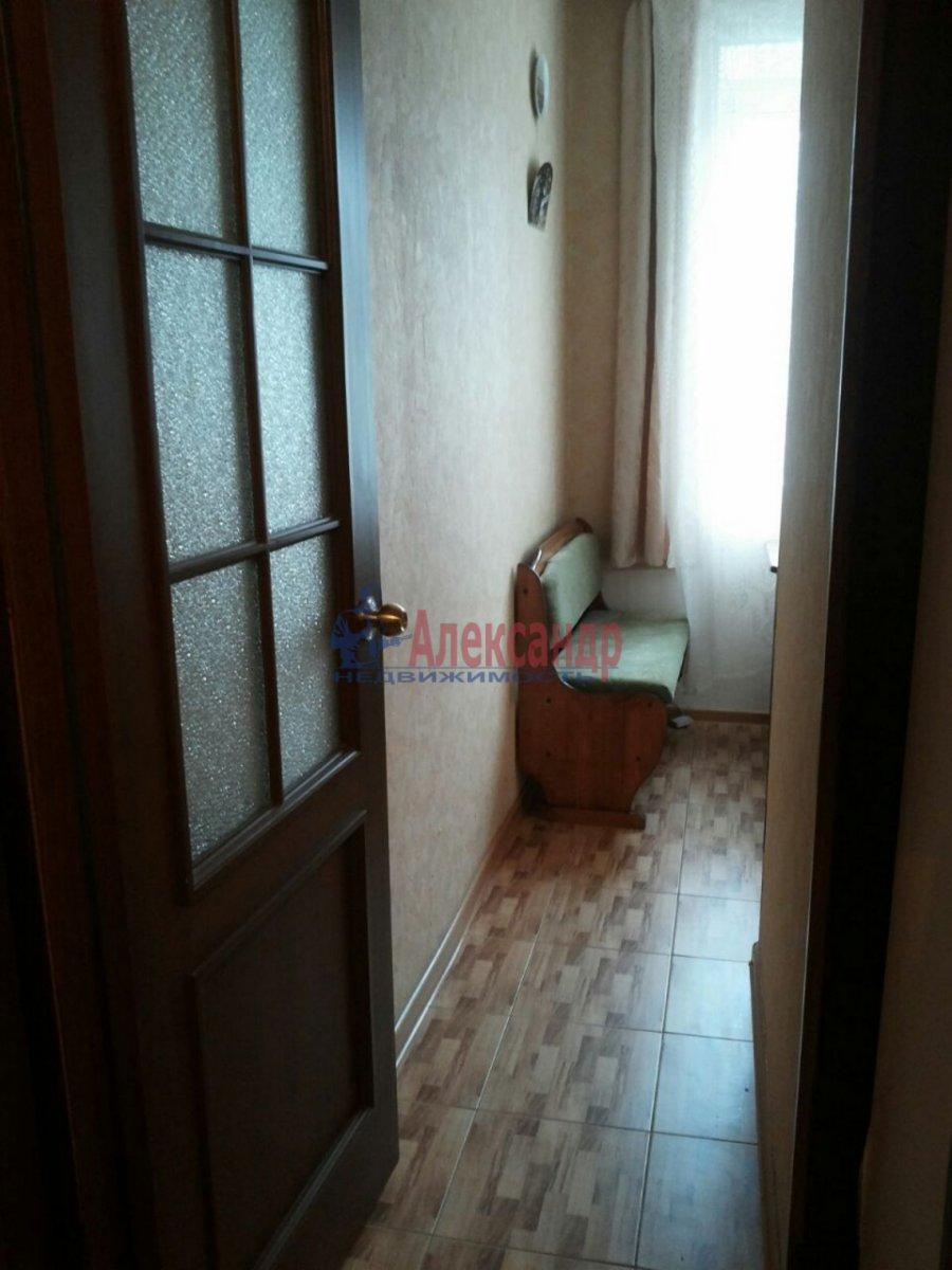 1-комнатная квартира (30м2) в аренду по адресу Ленсовета ул., 27— фото 3 из 8