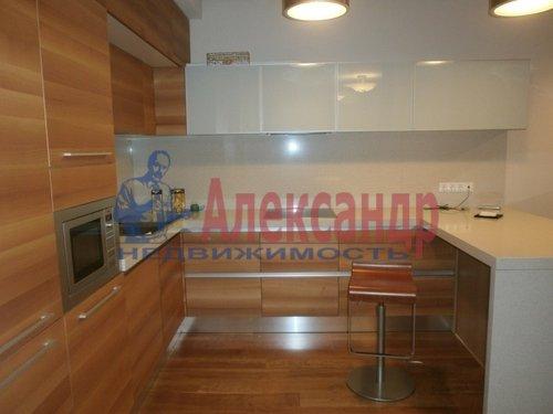 2-комнатная квартира (69м2) в аренду по адресу Кременчугская ул., 11— фото 2 из 11