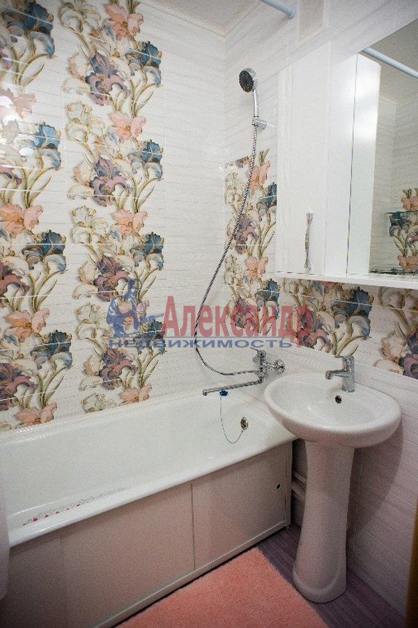 2-комнатная квартира (60м2) в аренду по адресу Славы пр., 55— фото 5 из 7