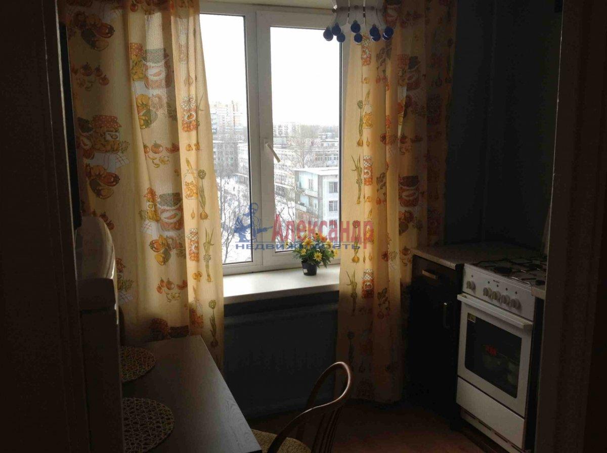 1-комнатная квартира (33м2) в аренду по адресу Заневский пр., 22— фото 1 из 2