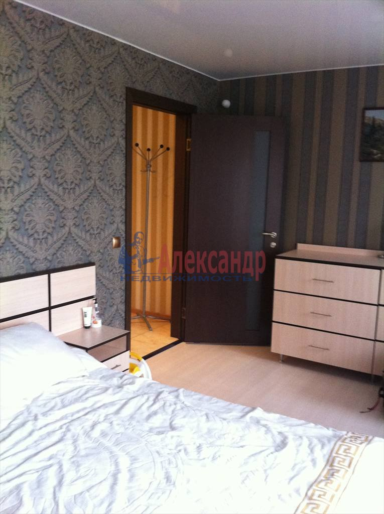2-комнатная квартира (62м2) в аренду по адресу Бадаева ул., 6— фото 4 из 27