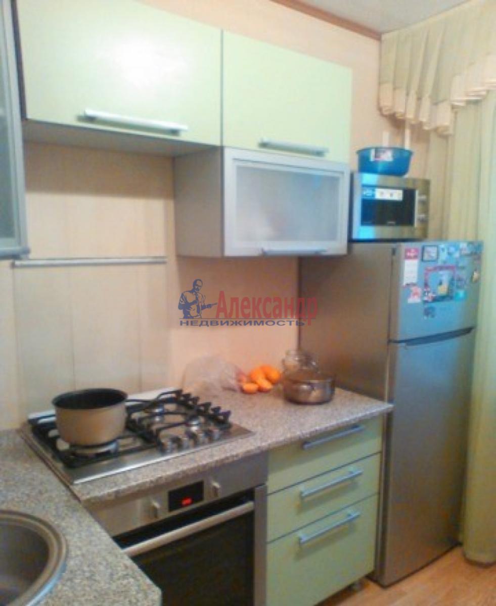 Комната в 3-комнатной квартире (58м2) в аренду по адресу Малая Балканская ул., 60— фото 1 из 4