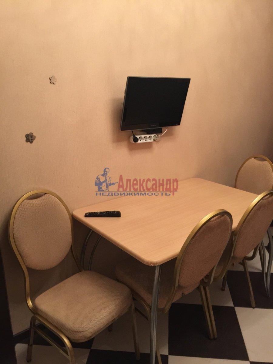 2-комнатная квартира (65м2) в аренду по адресу Богатырский пр., 60— фото 11 из 17