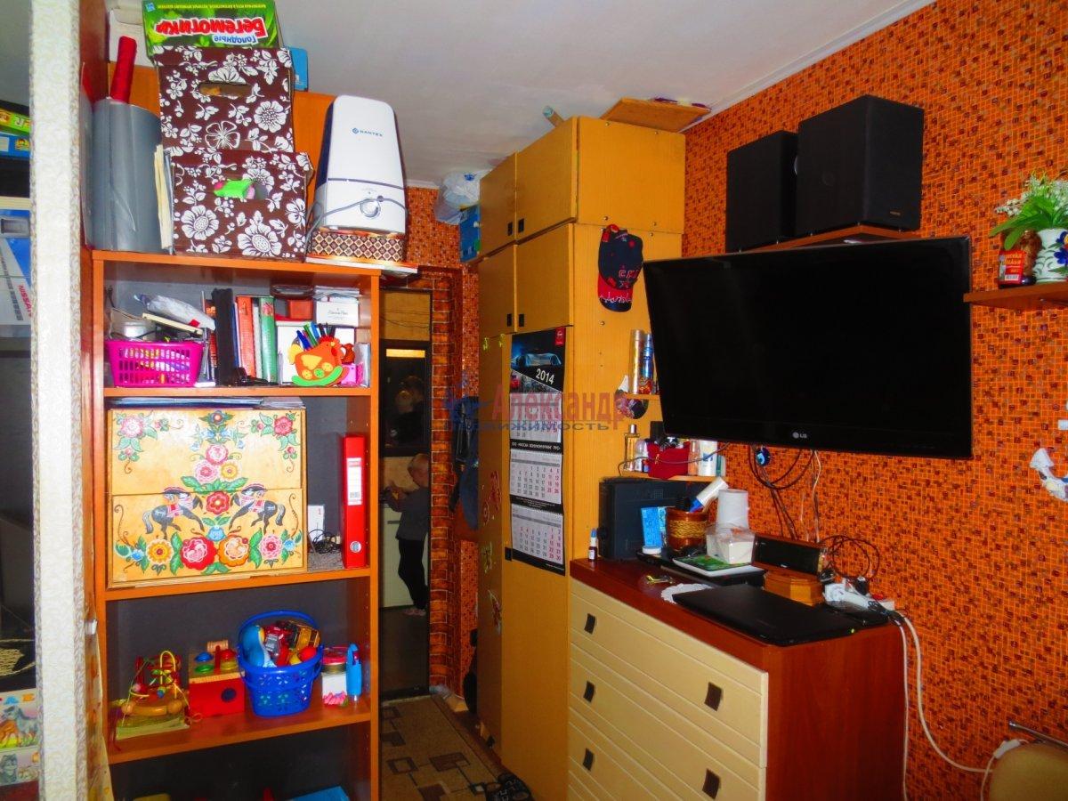 1-комнатная квартира (35м2) в аренду по адресу Подвойского ул., 13— фото 2 из 2