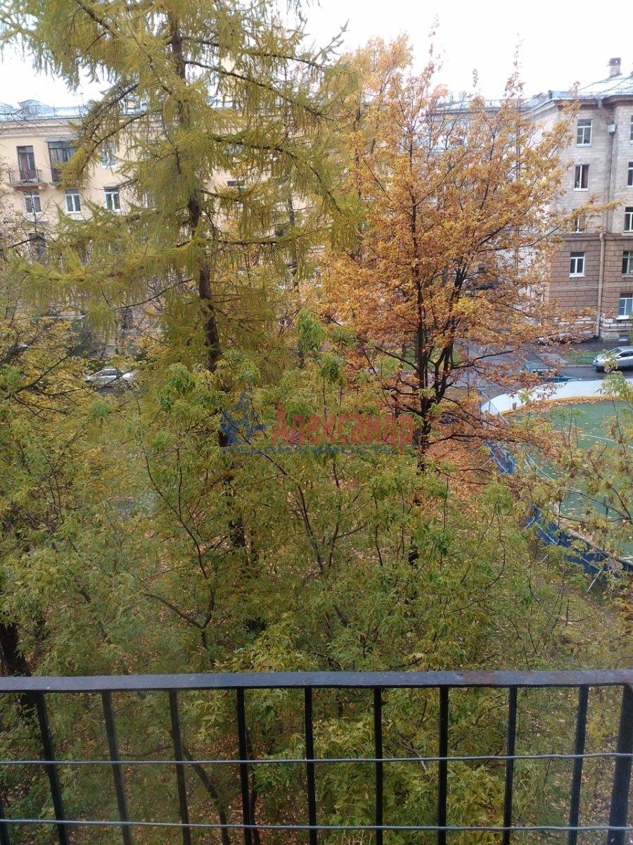 Комната в 2-комнатной квартире (53м2) в аренду по адресу Карташихина ул., 19— фото 7 из 9