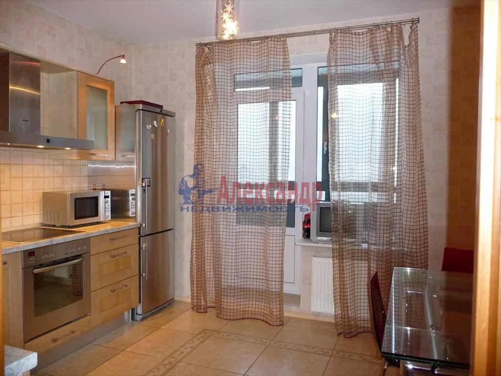 3-комнатная квартира (74м2) в аренду по адресу Капитанская ул., 4— фото 2 из 4