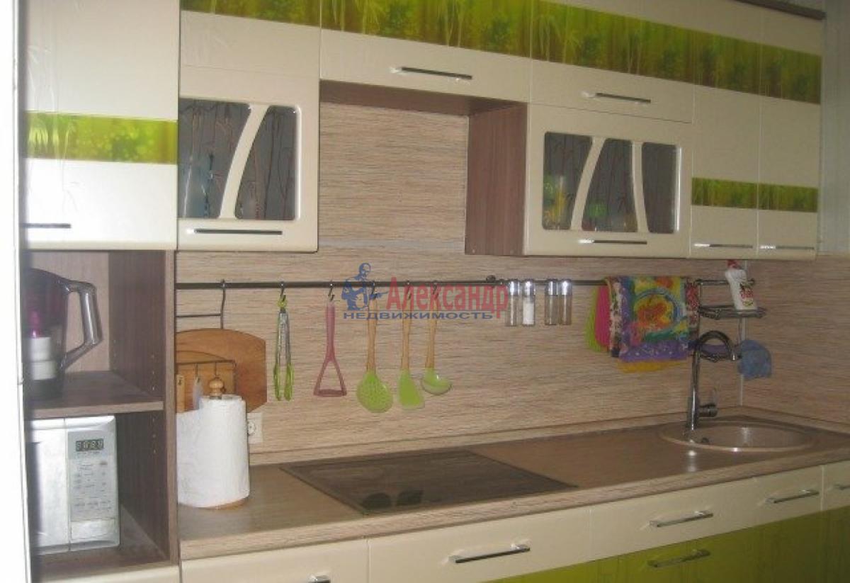 Комната в 3-комнатной квартире (72м2) в аренду по адресу Швецова ул., 11— фото 4 из 6