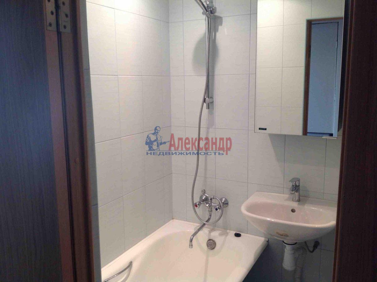 1-комнатная квартира (33м2) в аренду по адресу Заневский пр., 22— фото 2 из 2