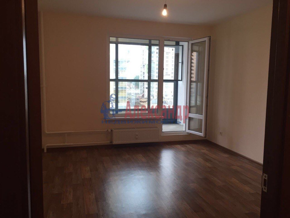 1-комнатная квартира (48м2) в аренду по адресу Кушелевская дор., 3— фото 2 из 9