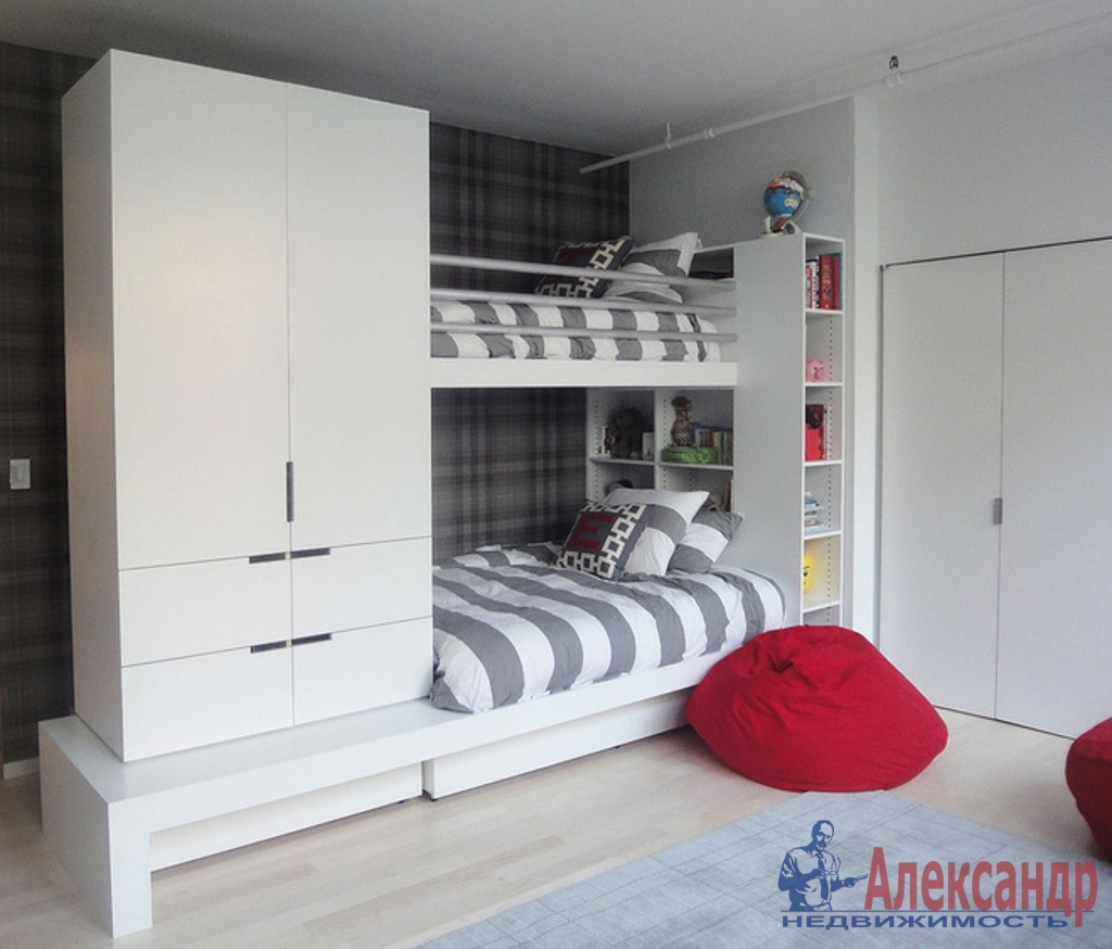 3-комнатная квартира (100м2) в аренду по адресу Ивановская ул., 13— фото 3 из 4