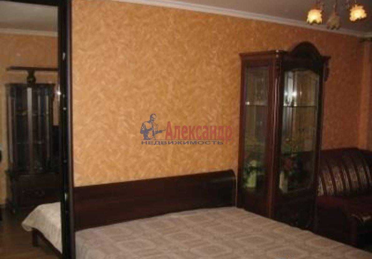 1-комнатная квартира (32м2) в аренду по адресу Шкапина ул., 9— фото 1 из 3