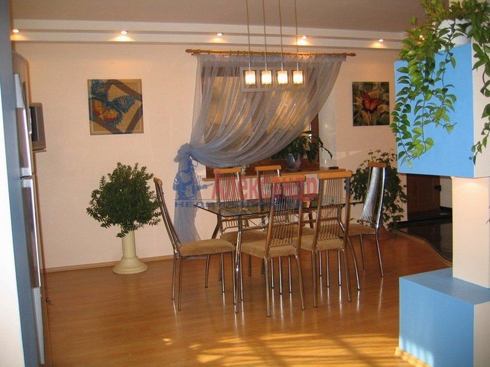 3-комнатная квартира (120м2) в аренду по адресу Динамо пр.— фото 1 из 4