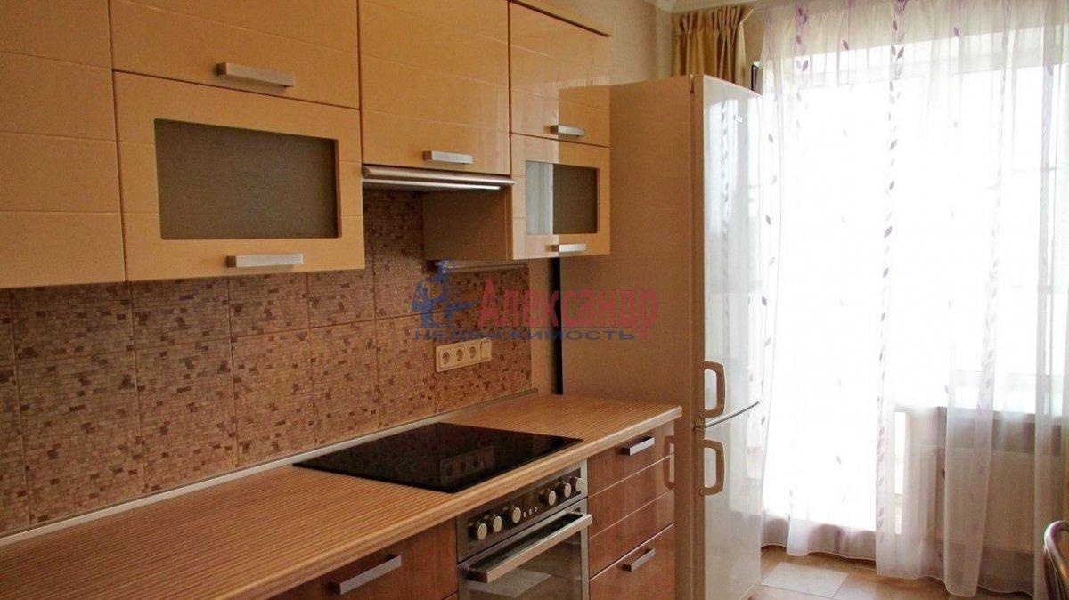 1-комнатная квартира (45м2) в аренду по адресу Варшавская ул., 69— фото 1 из 4