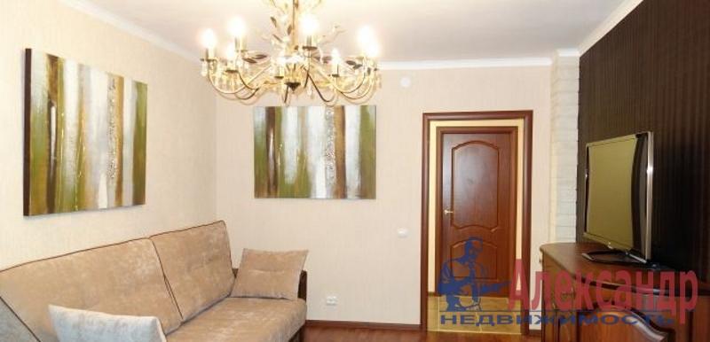 2-комнатная квартира (77м2) в аренду по адресу Маршала Жукова пр., 41— фото 1 из 4