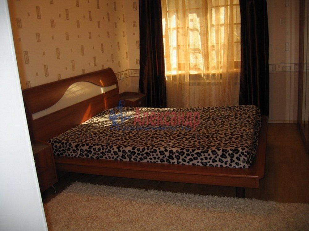 3-комнатная квартира (120м2) в аренду по адресу Динамо пр.— фото 3 из 4