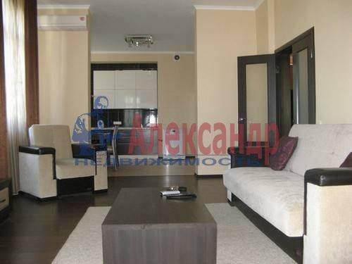 2-комнатная квартира (70м2) в аренду по адресу Варшавская ул., 23— фото 3 из 7