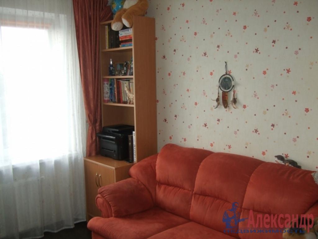 2-комнатная квартира (46м2) в аренду по адресу Наличная ул., 40— фото 1 из 3