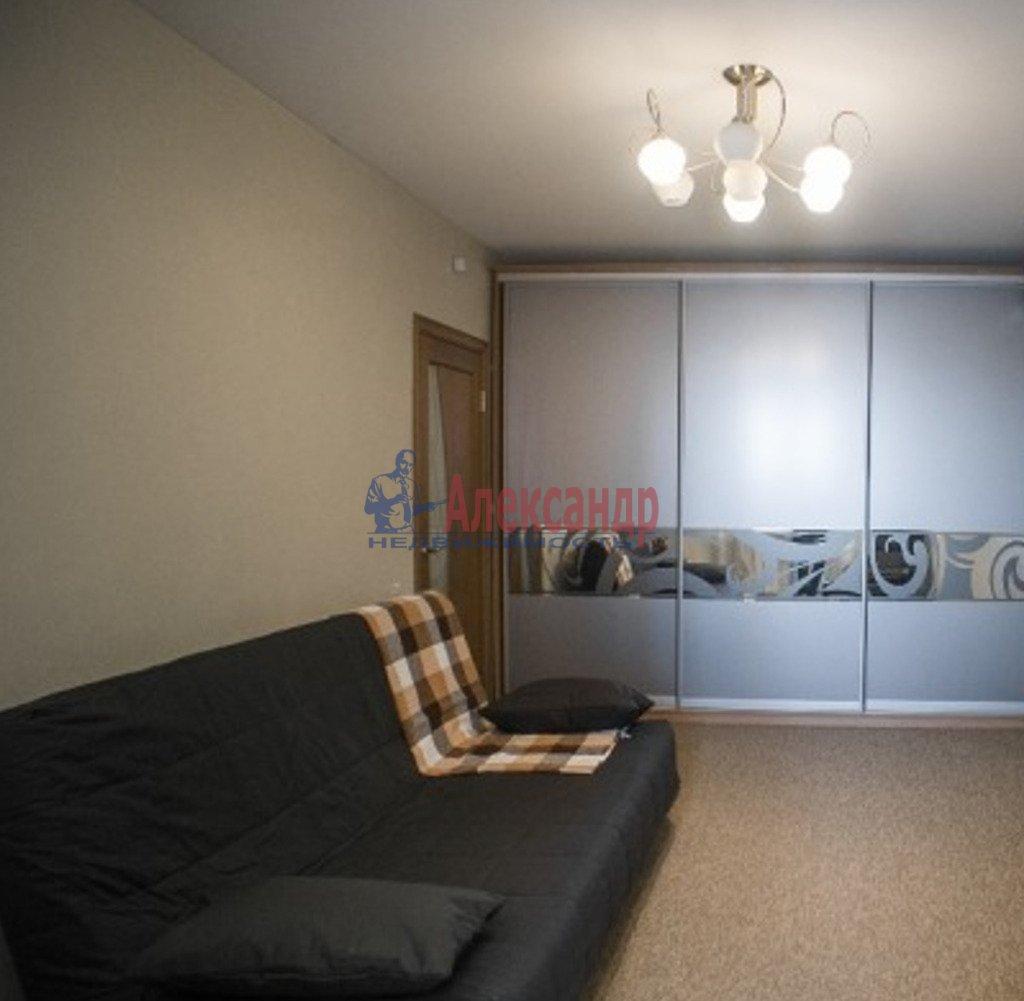 1-комнатная квартира (46м2) в аренду по адресу Искровский пр., 32— фото 2 из 4