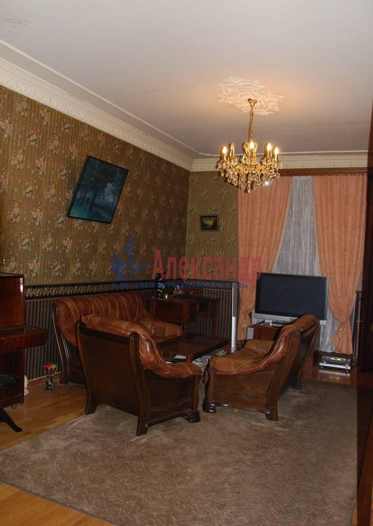 3-комнатная квартира (86м2) в аренду по адресу Суворовский пр., 56— фото 4 из 7