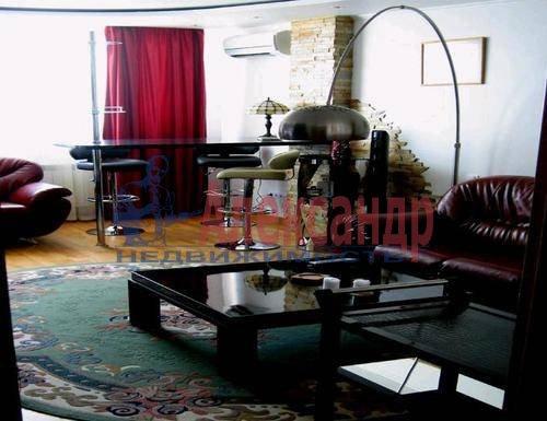2-комнатная квартира (80м2) в аренду по адресу Английская наб., 32— фото 1 из 6