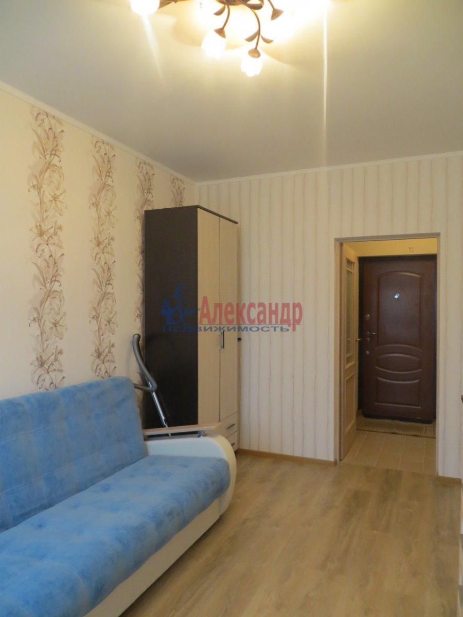 1-комнатная квартира (35м2) в аренду по адресу Кондратьевский пр., 64— фото 2 из 5