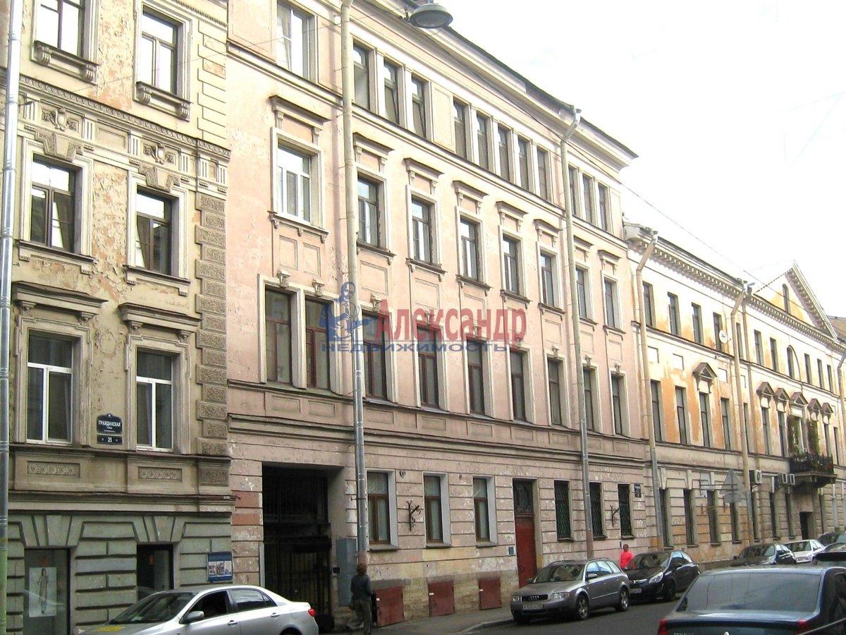 2-комнатная квартира (67м2) в аренду по адресу Гражданская ул., 23— фото 3 из 15