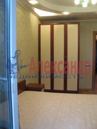 3-комнатная квартира (80м2) в аренду по адресу Звездная ул., 11— фото 4 из 17