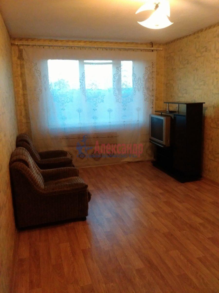 Комната в 3-комнатной квартире (70м2) в аренду по адресу Дыбенко ул., 22— фото 3 из 5