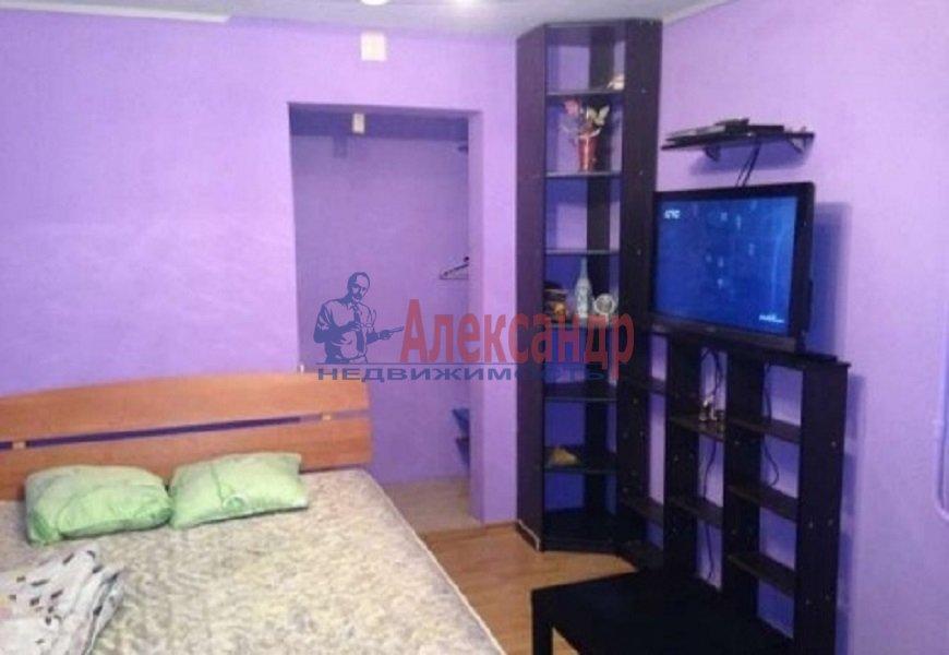 Комната в 2-комнатной квартире (60м2) в аренду по адресу Рубинштейна ул., 10— фото 1 из 5