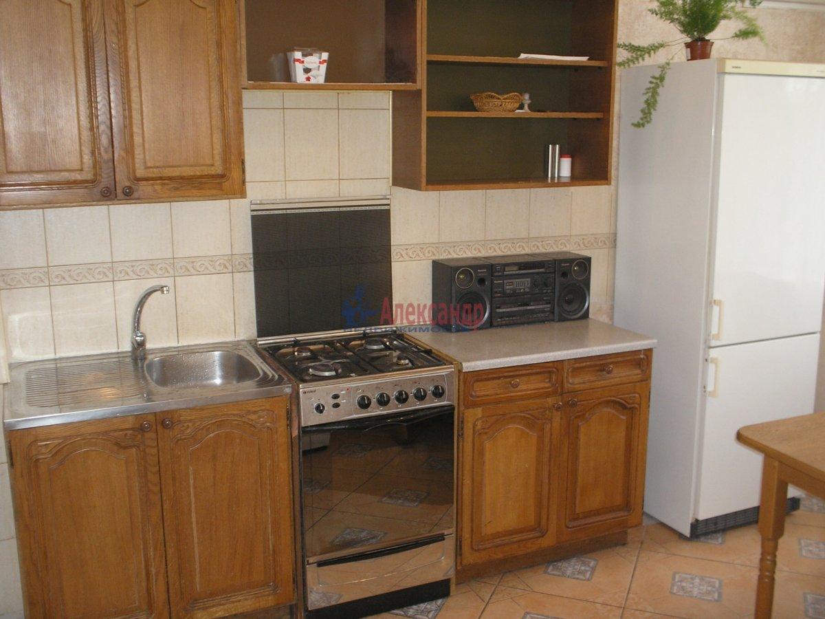 1-комнатная квартира (45м2) в аренду по адресу Благодатная ул., 30— фото 2 из 4