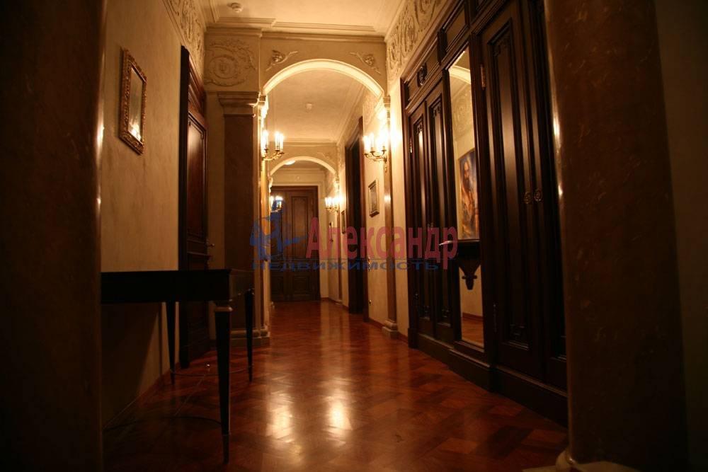5-комнатная квартира (220м2) в аренду по адресу Каменноостровский пр., 1/3— фото 7 из 8
