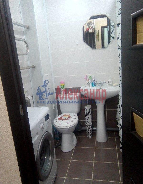 1-комнатная квартира (37м2) в аренду по адресу Шлиссельбургский пр., 49— фото 2 из 6