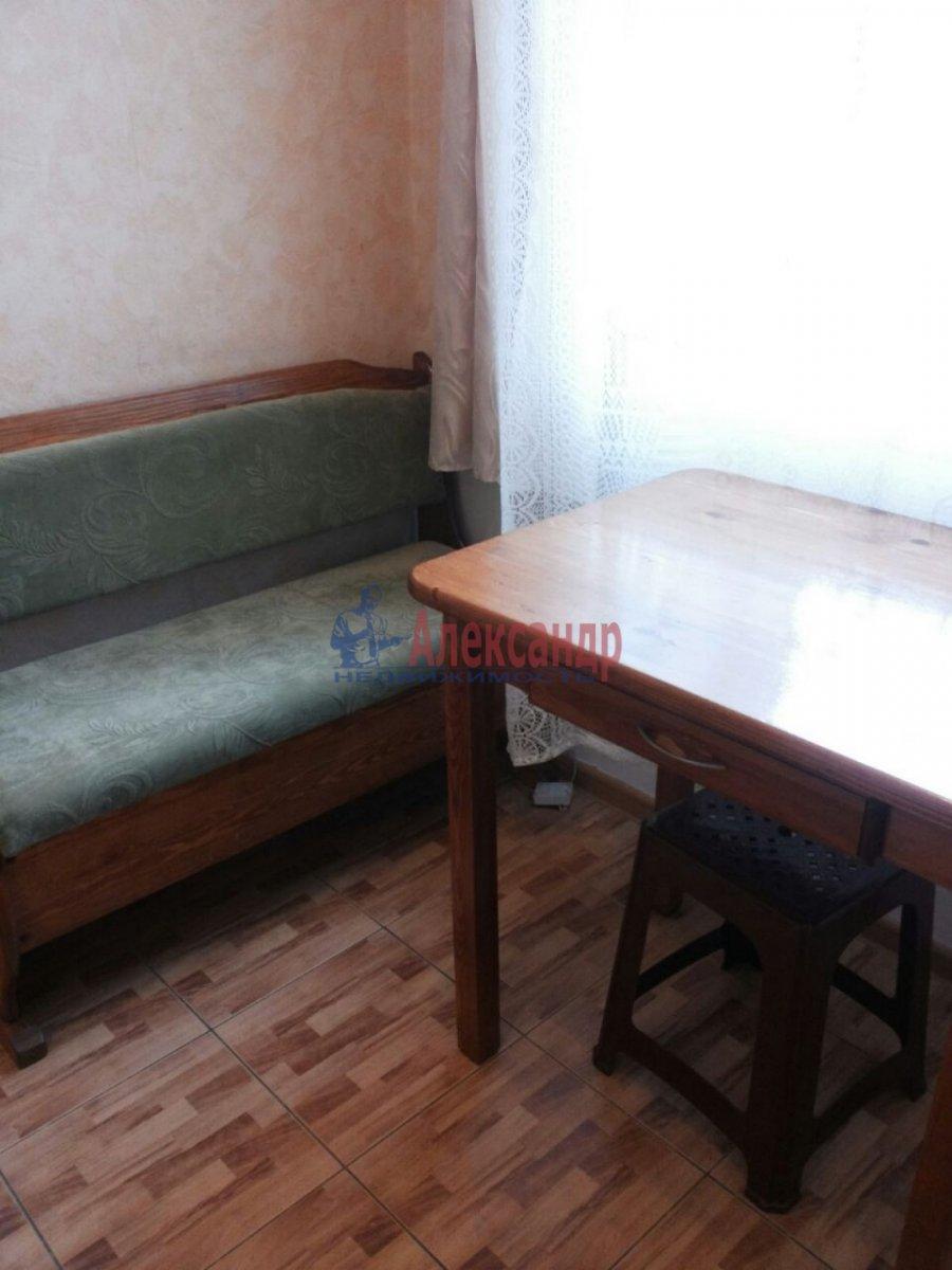 1-комнатная квартира (30м2) в аренду по адресу Ленсовета ул., 27— фото 6 из 8