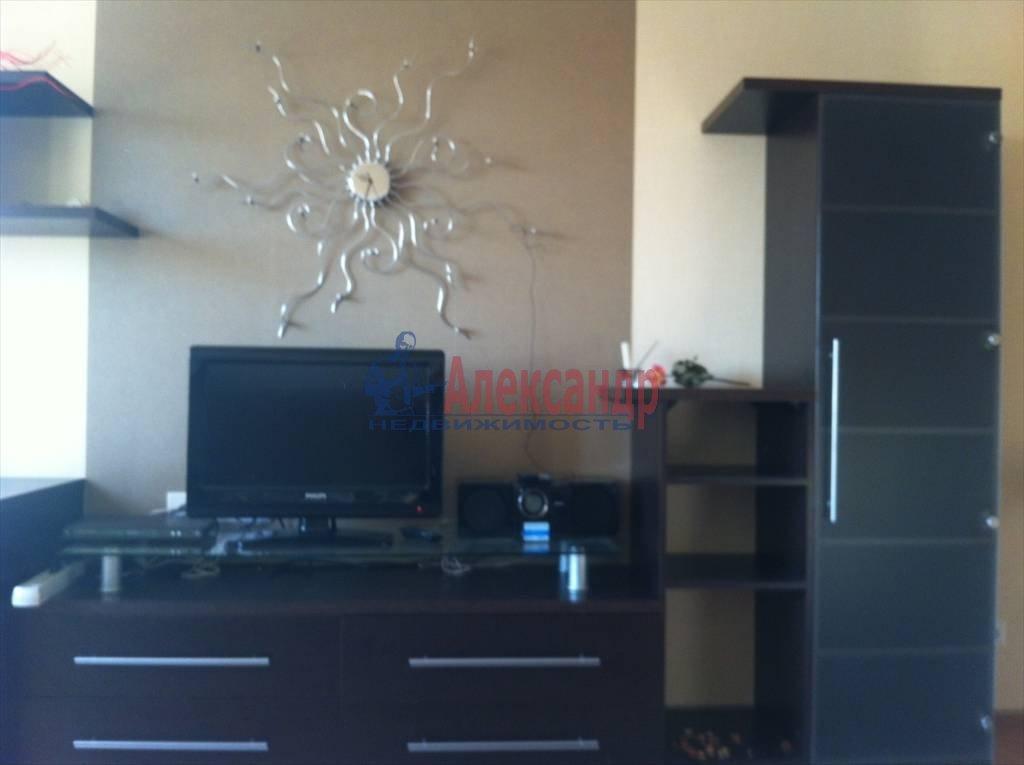 1-комнатная квартира (40м2) в аренду по адресу Маршала Захарова ул., 56— фото 3 из 8